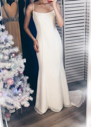 Платье вечернее или свадебное со шлейфом