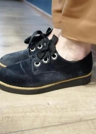 Велюровые бархатные ботинки на шнурках. весенние ботиночки