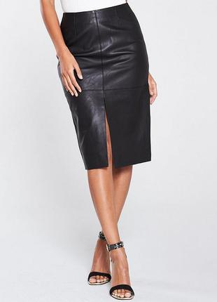 Черная длинная натуральная кожаная юбка миди с разрезом сперед...
