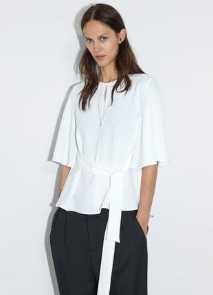 Белая легкая блузка с поясом zara