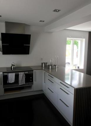 Реновація кухонь , ванних кімнат , дизайн та обшивка меблями!