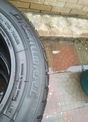 Продам шины зима 215/60 R16