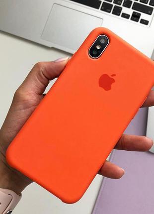 Чохол на iPhone