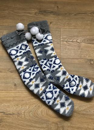 Серые длинные с узором носки тапочки