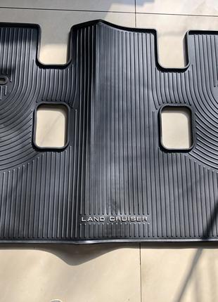 Новый оригинальный коврик в багажник Toyota Land Cruiser