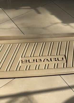 Новый оригинальный коврик в багажник Subaru Impreza