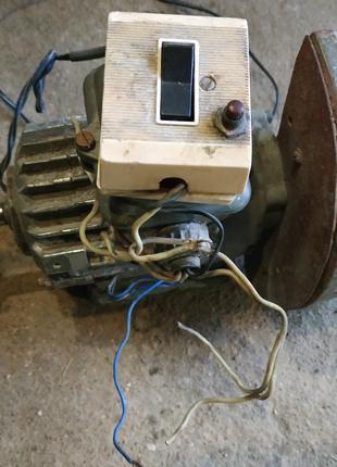 Двигатель асинхронный тип апн 012/2