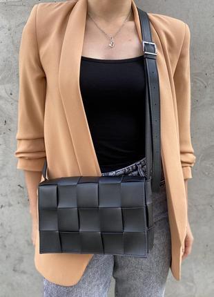 Женская сумка плетеная черная