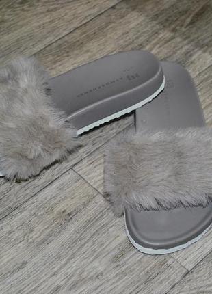 Шлепанцы atmosphere 36-37 с мехом серые пушистые модные и стил...