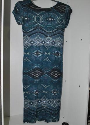 Платье apricot s синее в узор миди ниже колен брендовое по фигуре