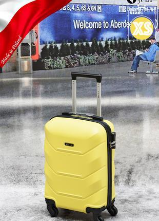 Дорожный чемодан поликарбонат Wings 147 ручная кладь желтый
