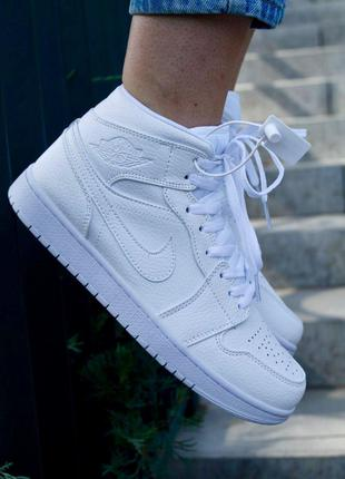 Кроссовки Nike Air Jordan Retro 1 White