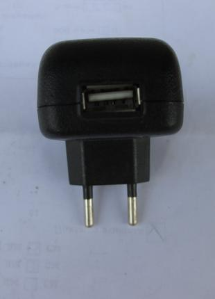 AC / DC Adapter зарядное USB F 5V 1A mod YC-2011A