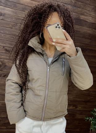 Женская куртка))