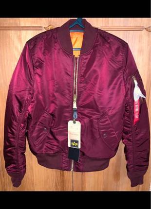 Продам куртку бомбер alpha industries
