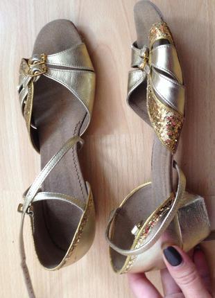 Туфли для танцев босоножки