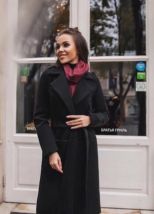 Женское пальто  с поясом и кармашками