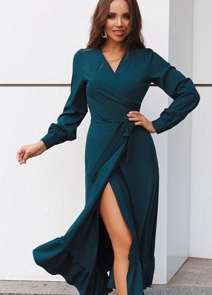 Женское платье с манжетом, на пуговице