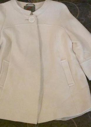 Классное полу-пальто на осень в размере 48-50