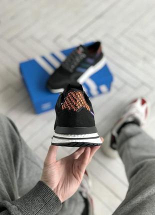 Шикарные кроссовки адидас