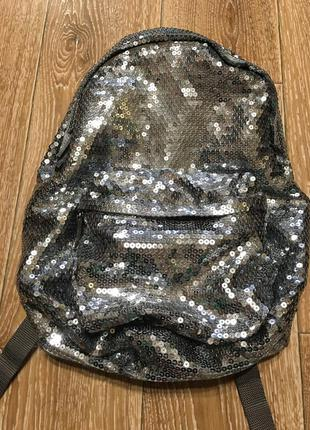 Рюкзак в пайетки серебро