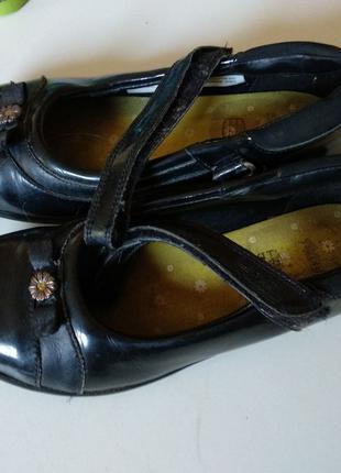 Туфлі в школу clarks 20 см