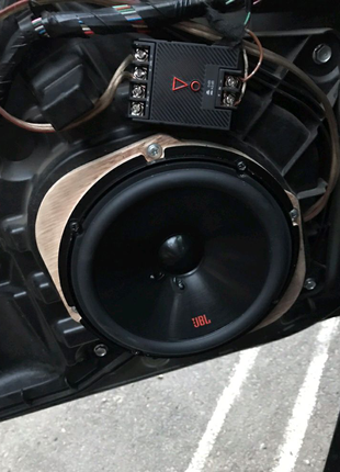 Подиумы под динамики на Mazda 3, 5, 6 , cx-5