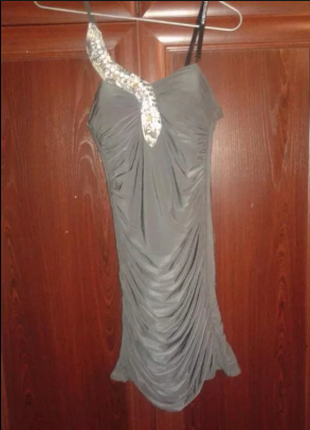 Женские вечерние платья ( два)