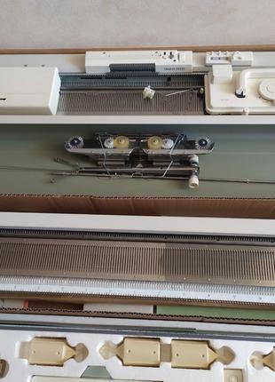 Продам двухфонтурную вязальную машинку silver reed sk 280