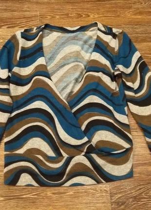 Кофточка свитерок с глубоким вырезом
