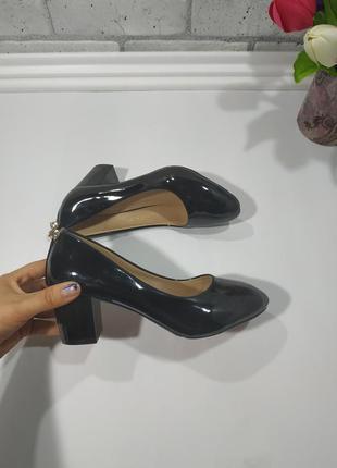 """Туфли """"комфорт"""" цвет черный, материал иск.лак, каблук 6 см 36..."""