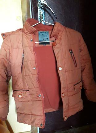 Курточка осенняя теплая + вещи для мальч.