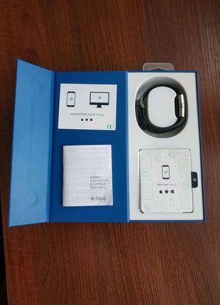 Фитнес-браслет с оптическим пульсометром Fitbit FB407