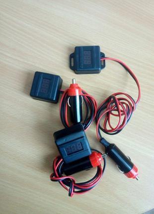 Свето-звуковой автомобильный индикатор напряжения.