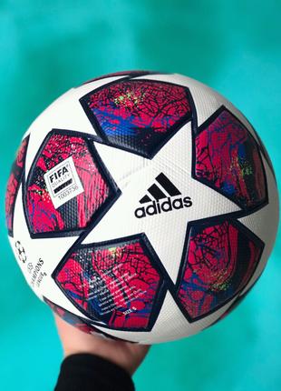 Футбольный мяч Adidas Champions