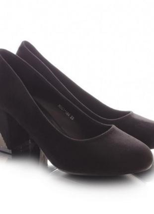 Женскиетуфли на широком каблуке