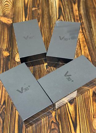 Продаю Новий LG V30+ (128gb)