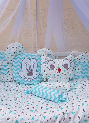 Полный комплект бортики в кроватку,постельное белье для малыша...