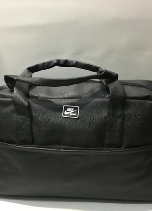 Классная спортивная дорожная сумка , плотная экокожа!