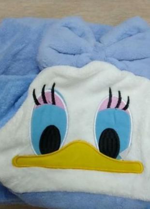 Уголок для купания малышей. махровое полотенце для купания.