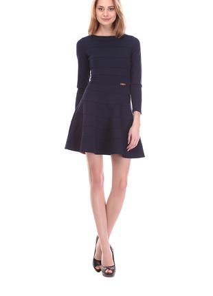 Платье тёплое с длинным рукавом и пышной юбкой