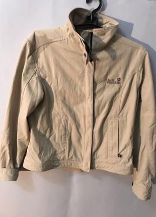 Женская курточка Jack wolfskin
