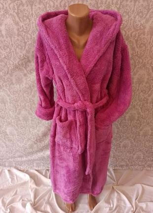 Длинные теплые махровые женские натуральные халаты с капюшоном...