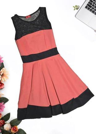 Платье с сеткой на груди и спине influence