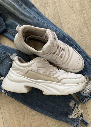 Белые кроссовки кеды zara
