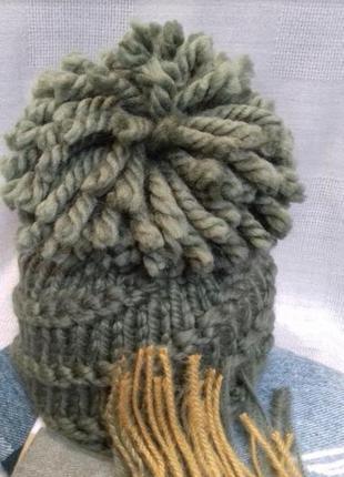Крутая стильная шапка крупная вязка