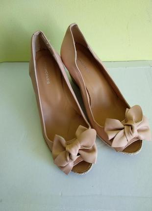 Туфлі 38 розмір бренд cosmoparis