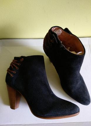 Ботинки 38 розмір бренд minelli