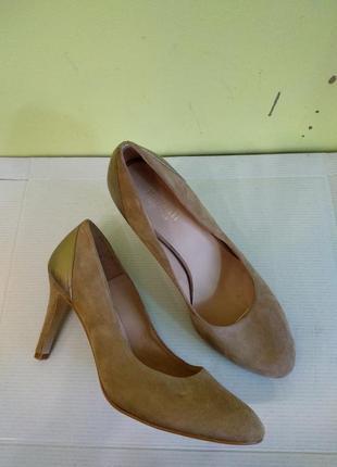 Туфлі 39 розмір minelli