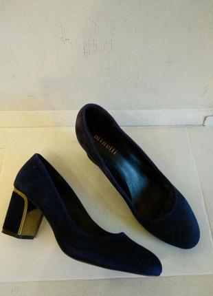 Туфлі  39  розмір бренд minelli